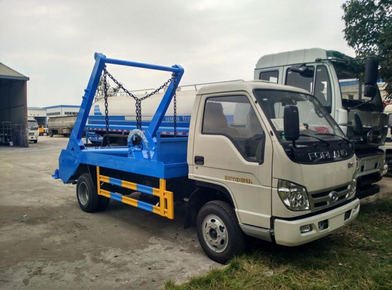 福田时代型摆臂式垃圾车
